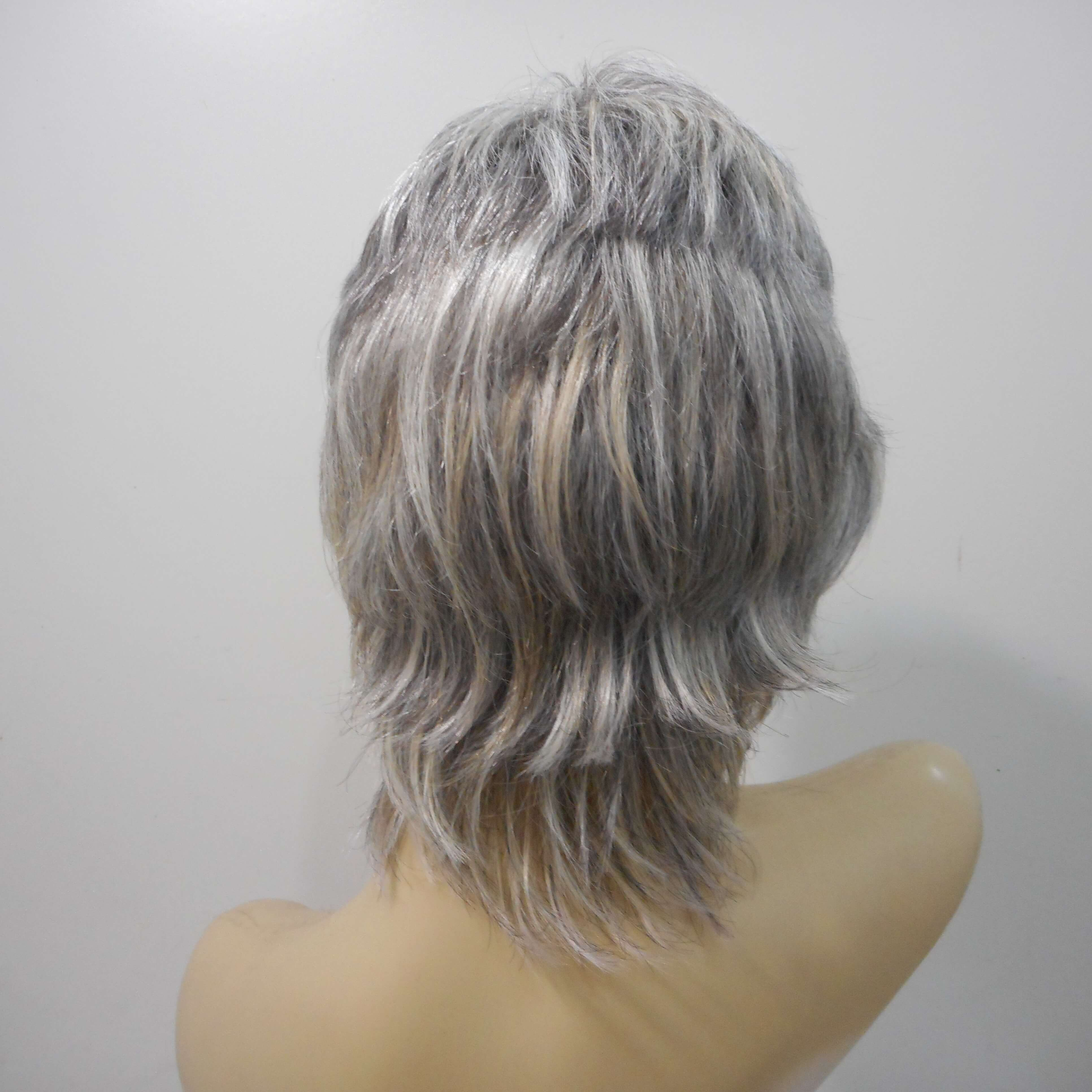Peruca natural grisalha curta